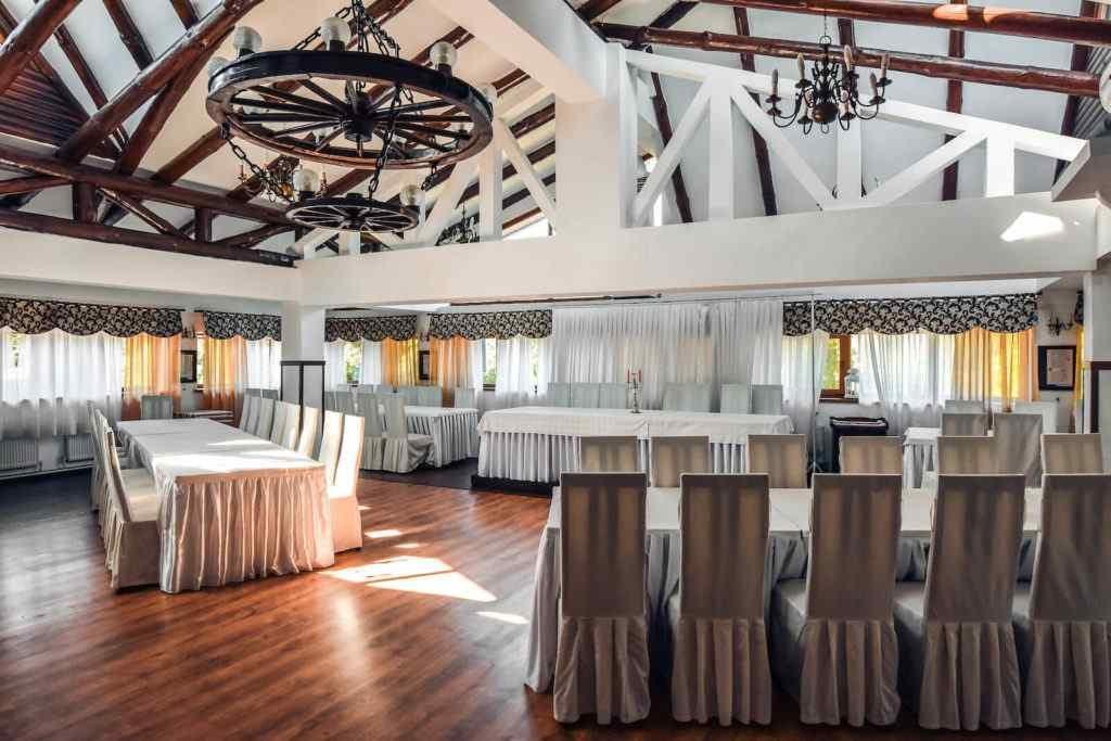 Свадебный зал с большой вместимостью